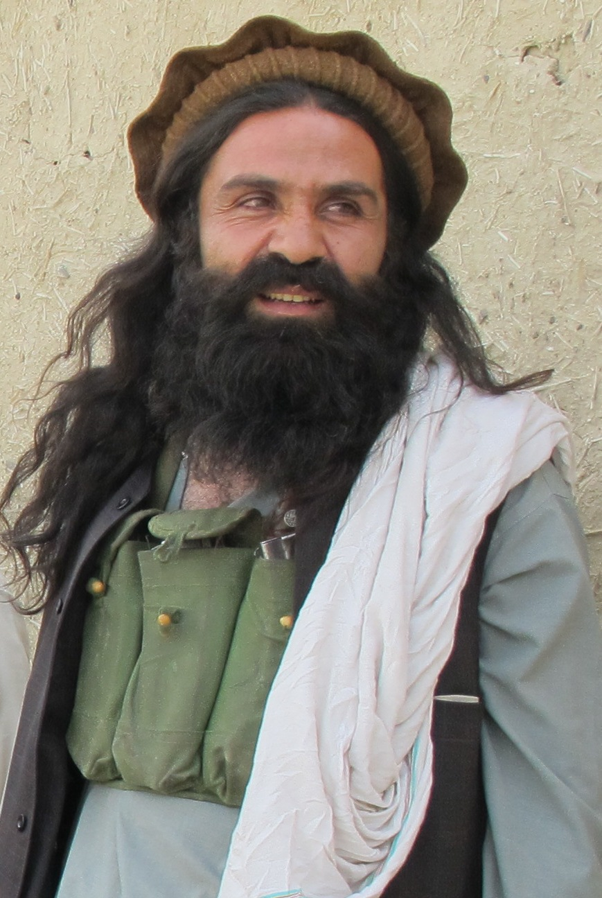 Senior Commander of Hakeemullah Mehsud Group Along with 24 followers surrendered to Pakistan Army