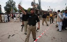 Twin Consecutive Bomb Blasts in Peshawar leave dozens injured